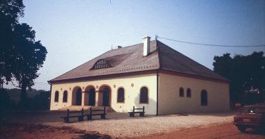 Village house refurbishment project, Bagod